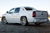 LEXANI FORGED® - 713 Standard Forging Chrome on Chevy Avalanche