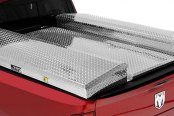 Lund® - CBT Complete with Aluminum Diamond Plate Tonneau, Close-up