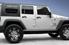 MAMBA® - M2X Gloss Black with Machined Face on Jeep Wrangler