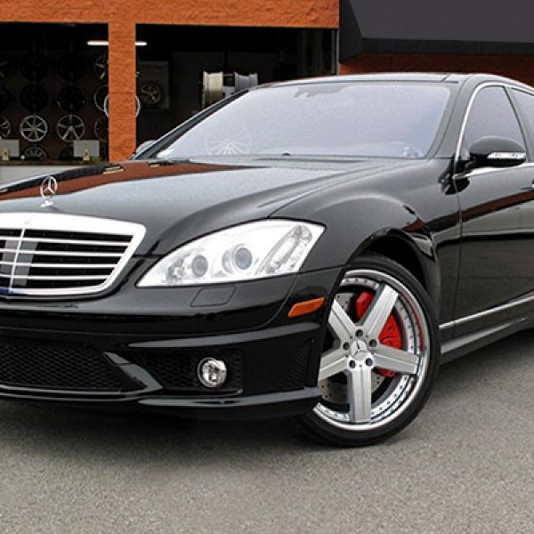 MANDRUS® - STUTTGART Silver with Mirror Cut Face and Chrome Lip on Mercedes S Class