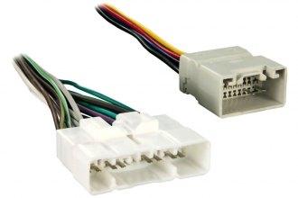 Metra aftermarket radio wiring harness with oem plug