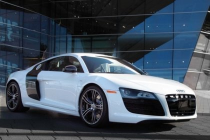 Audi Releases the 2013 R8 Exclusive Selection Edition