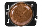 Omix-Ada® - Passenger Side Replacement Side Marker Light, Amber