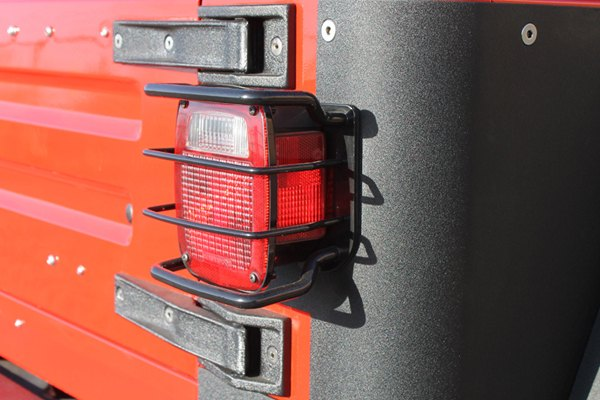 Paramount® - Off Road™ Rear Euro Light Guard