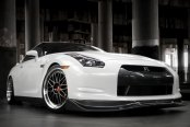 PRIVAT® - AKZENT Opal with Machined Lip on Nissan GT-R