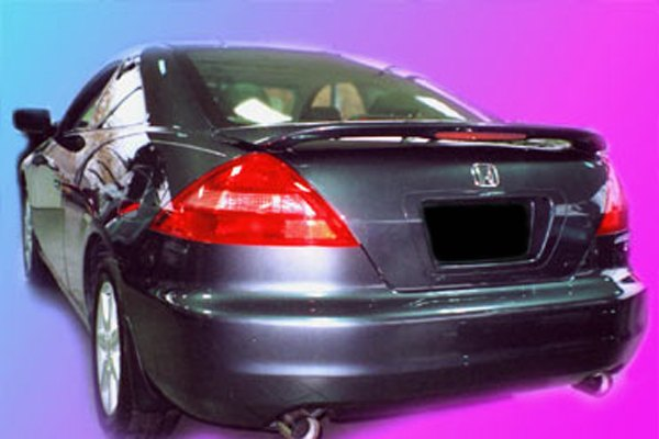 Image may not reflect your exact vehicle! Remin® - Custom Style Rear Spoiler with Light