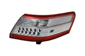 Replace® TO2818145 - Driver Side Outer Replacement Tail Light Lens and Housing