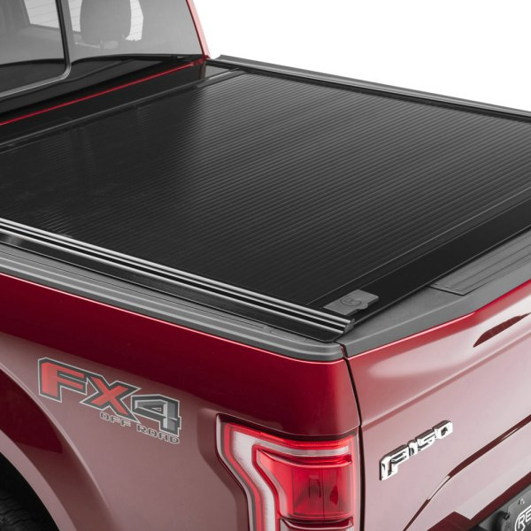 Image may not reflect your exact vehicle! Retrax® - RetraxONE™ Retractable Tonneau Cover, Closed