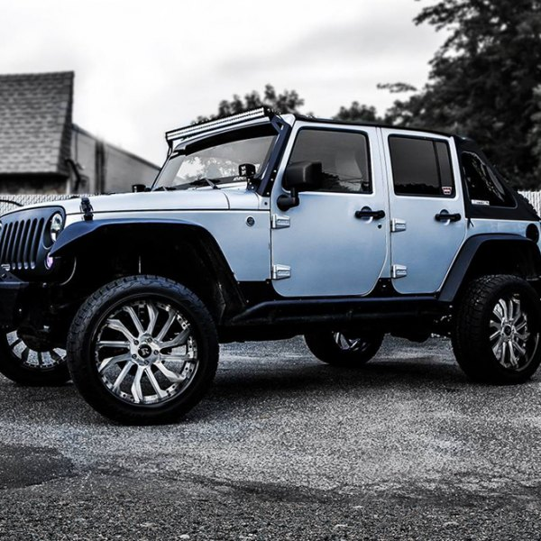 RUCCI® - Maniago Brushed Chrome Lip on Jeep Wrangler Unlimited