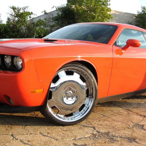 RUCCI® - CORONA Standard Forging Chrome on Dodge Challenger