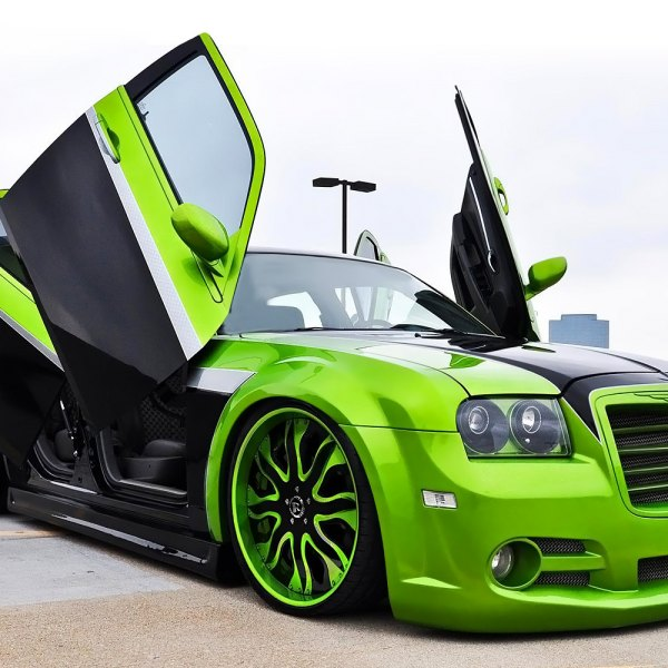 RUCCI® - FORZA Standard Forging Custom Painted on Chrysler 300C