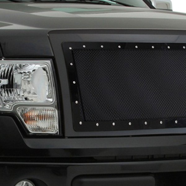 Image may not reflect your exact vehicle! Smittybilt® - M1 Series Studded Black Mesh Grille