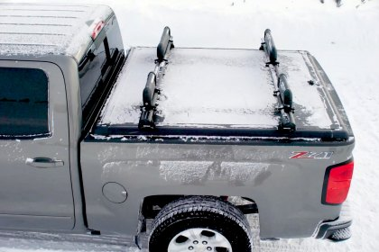 UnderCover® Ridgelander™ Hinged Tonneau Cover for Winter Sport (Full HD)