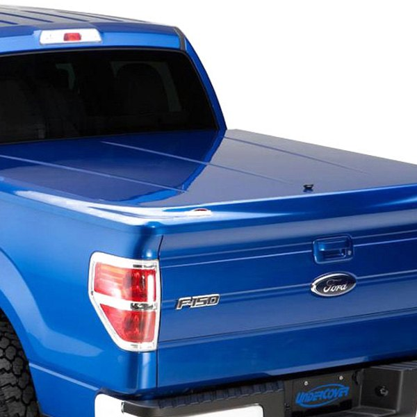 UnderCover® - LUX™ Hinged Tonneau Cover, Closed