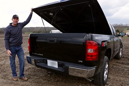 UnderCover® SE Hinged Tonneau Cover Review (HD)