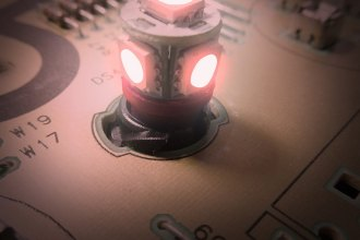 "US Speedo® LED200R - Red 1/2"" Twist In / Twist Out Speedometer LED Bulbs Kit, 6 Pcs"