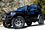 V-ROCK® - OVERDRIVE Matte Black with Machined Face and Bezel on Jeep Wrangler