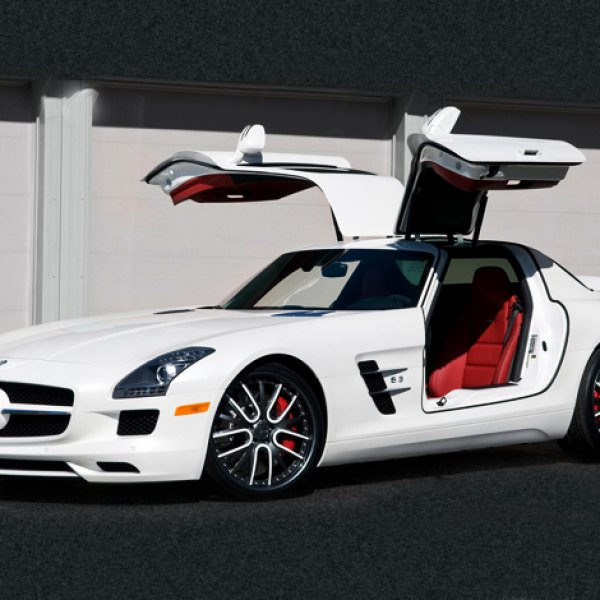 Vellano VRU Custom Painted on Mercedes SLS