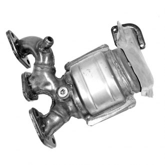 Walker® - Ultra™ Front Passenger Side Stainless Steel Exhaust Manifold with Integrated Catalytic Converter