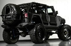 XD SERIES® - BOMB Gloss Black with Milled Spokes on Jeep Wrangler