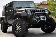 XD SERIES® - HOSS Gloss Black with Machined Face on Jeep Wrangler