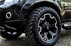 XD SERIES® - THUMP Matte Black with Machined Bezel on Mitsubishi Pajero Sport