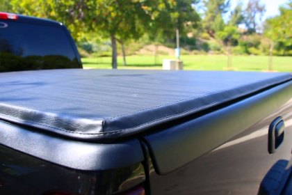 503321 - Yukon Trail® Lock & Roll Up Soft Tonneau Cover (Full HD)